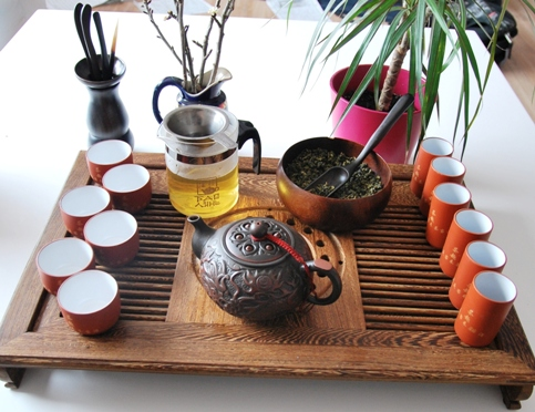 Gong Fu Cha Setup 2, Chinese Tea Ceremony, First Infusion 1