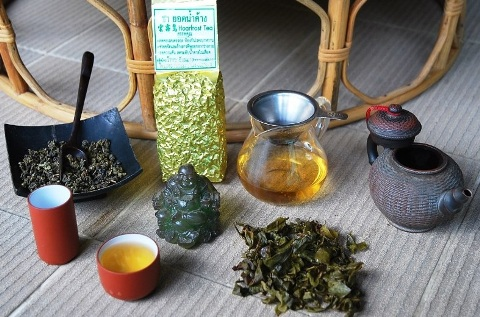 Jin Xuan winter harvest hoarfrost Oolong tea prepared in Chinese Gong Fu Cha tea ceremony