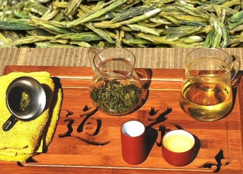 Wilder Long Jing Grüner Tee